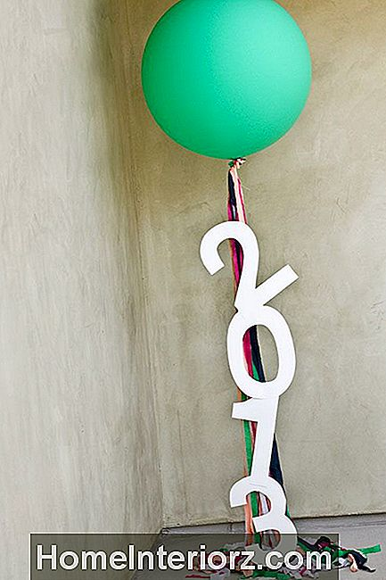 DIY Giant Balloon Message