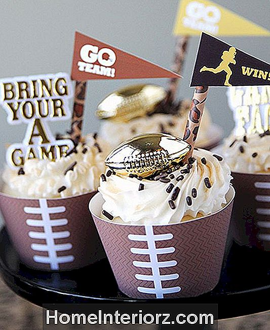 DIY Printable Football Cupcake pakendid