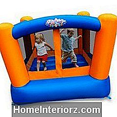 Pilt Blast Zone Little Bopper Bounce House'ist