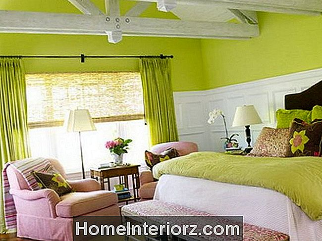 green-pink-bedroom.jpg