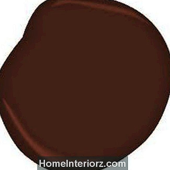 Benjamin Moore Country Redwood HC-183
