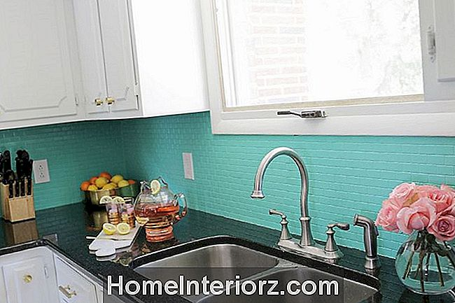 Målad DIY Tile Backsplash