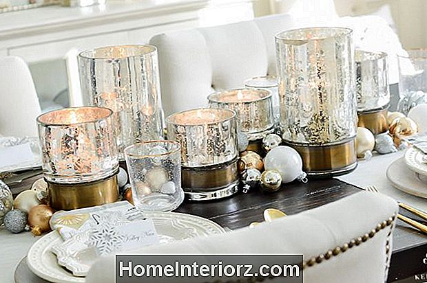 22 Precious Christmas Table Decorations & Settings
