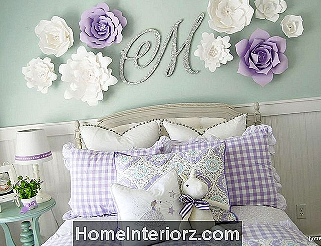 Paper Flower Wall Display med Monogram Letter