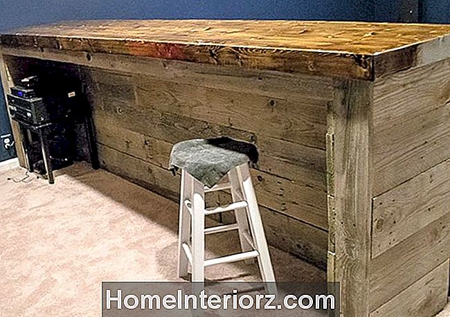 Wood Pallet Home Bar