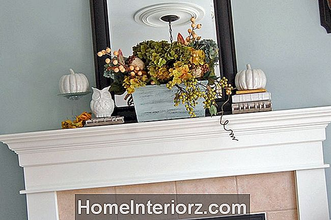 Pop-of-pretty-mantel