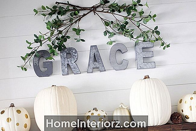 Faux-Fall-Mantel-Grace-Sign