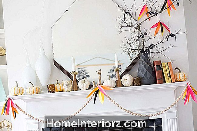 Halloween-Whimsy-Mantel