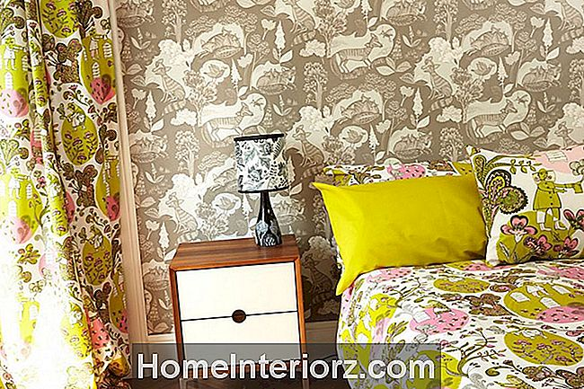6 Fabulous Wallpapered sovrum