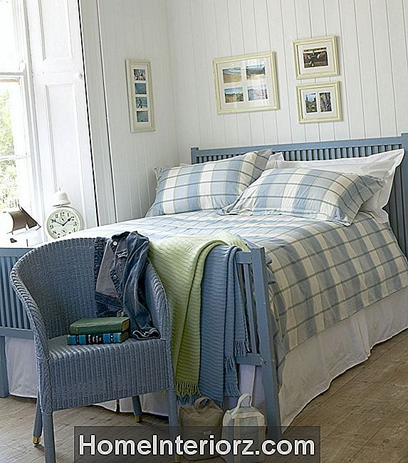 Coastal Bedroom Decorating Ideas.