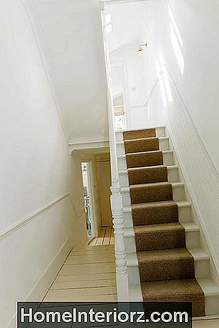 modern-upgrade-to-older-staircase.jpg