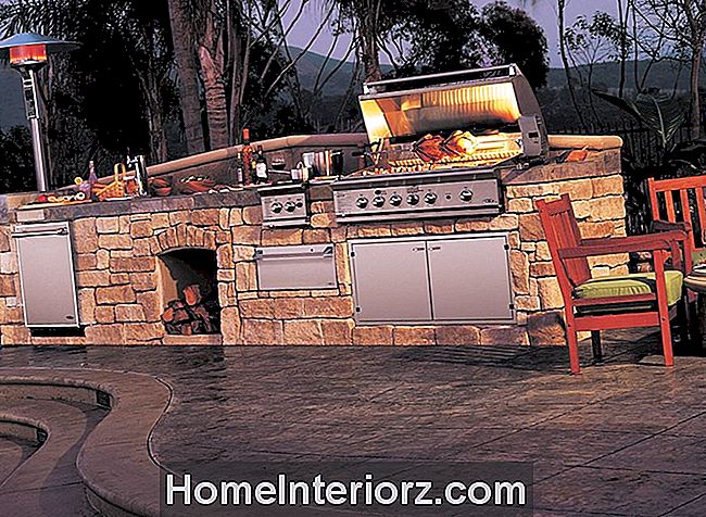 Single Counter Stone Outdoor Kitchen 1500 x 1100