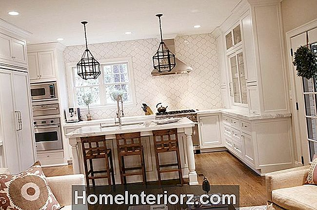 Kuinka valita Perfect White Paint for your cabinetry