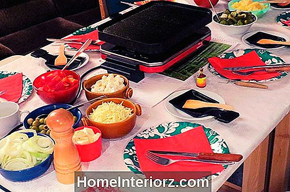 Wie man eine Raclette Dinner Party wirft