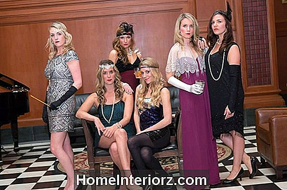 Host a Murder Mystery Party a Tween-nek