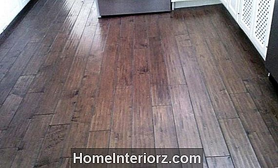 Vinyl Plank Flooring Guide: Brands, Pros and Cons, and Reviews