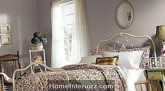 13 Tranquil Yet Sofisticated Bedroom Paint Colors