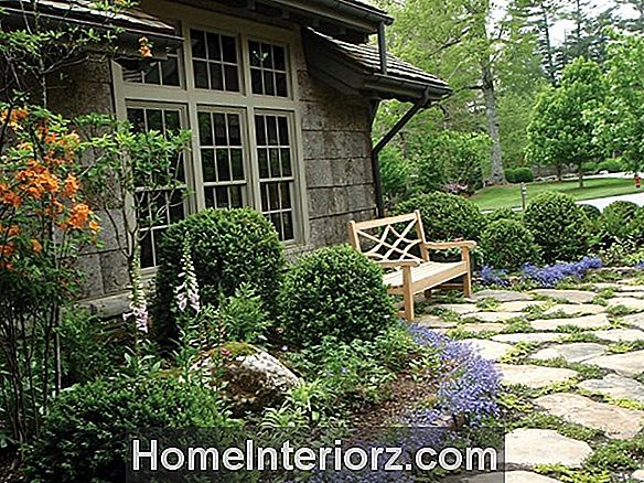 Garden Makeover: En Chic Front Garden for en Vintage Chicago Cottage