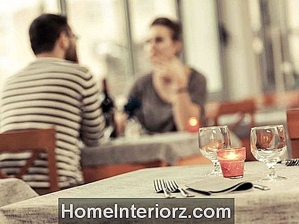 Do's and Don'ts of First Date Etiquette
