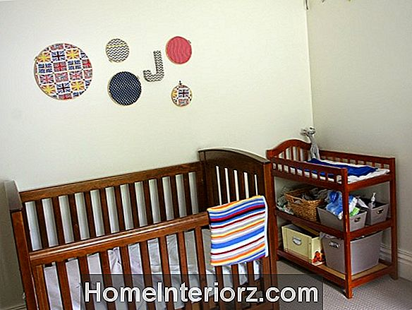 Budget Nursery Ideas: DIY Sharpie Accent Wall