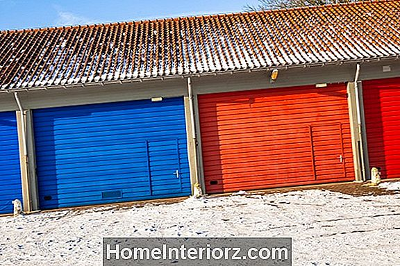 Enkla Garage Door Maintenance Tips